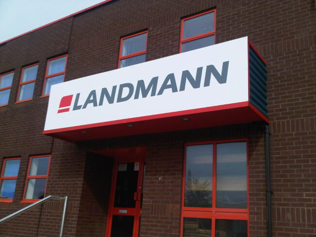 Landmann panel sign - Fascia Signs