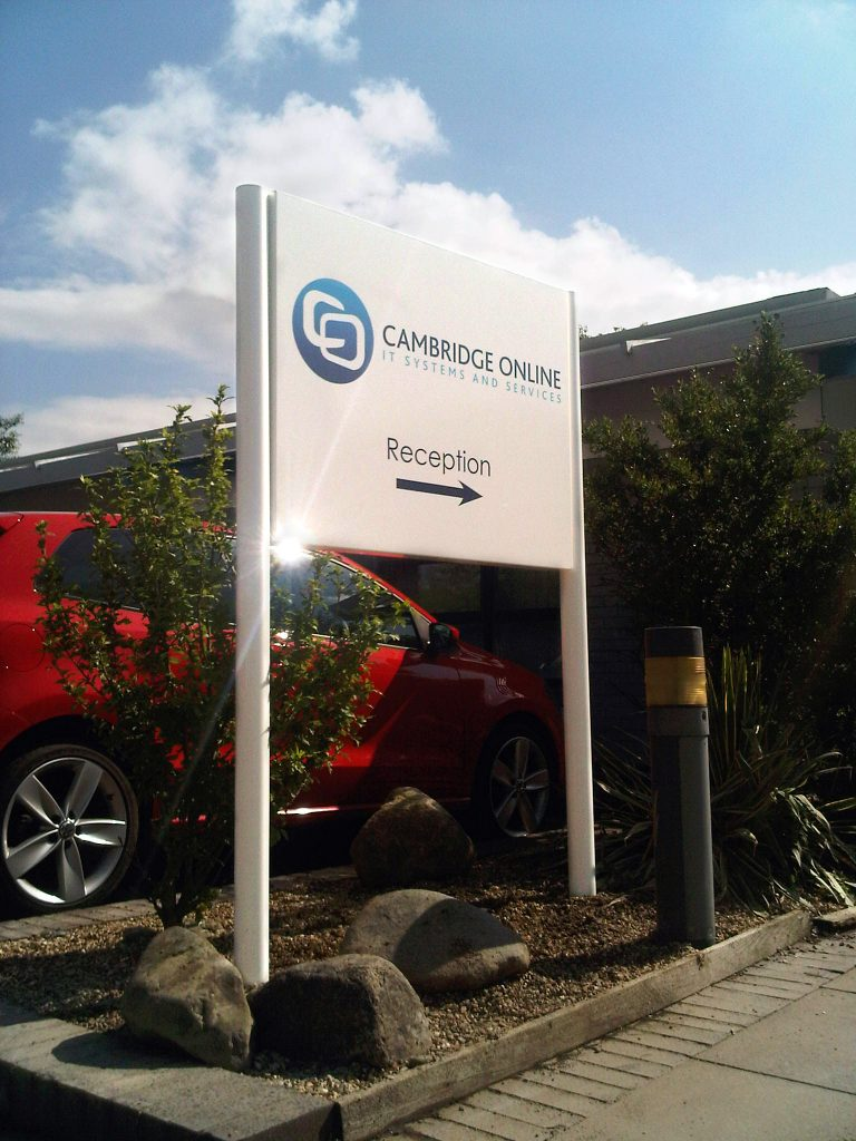 CambridgePost & Panel signs - Online branded Verge sign